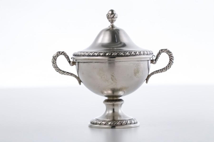 Cukiernica filigranowa kryta,  srebrna, Włochy  - modernistyczna / neo empire.