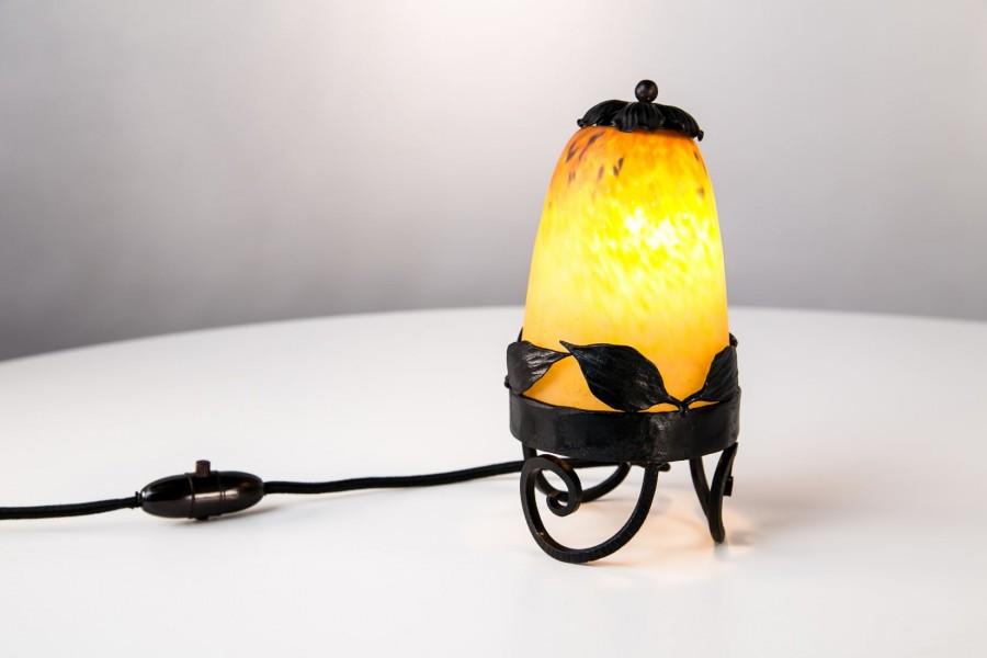 """Lampka Schneider """"Pieczarka"""", nocna, filigranowa, warstwowe szkło&metal, Francja – secesja"""
