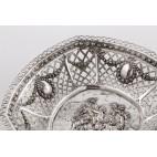 Koszyczek ażurowy ze scenami rodzajowymi, srebrna paterka,  niemiecki – eklektyczny