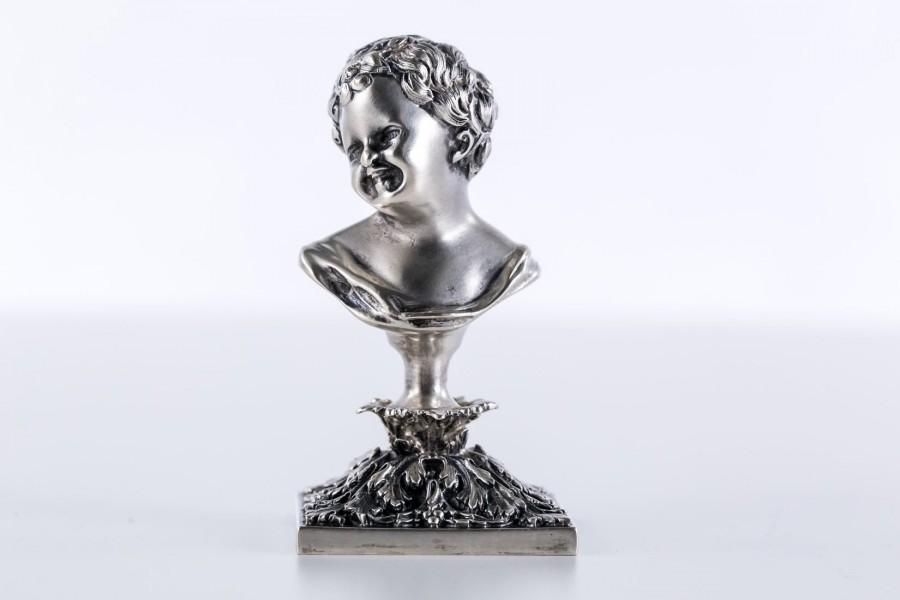 Miniaturka, popiersie dziecka Putti na cokole, srebrne,  Włochy – sztuka świata