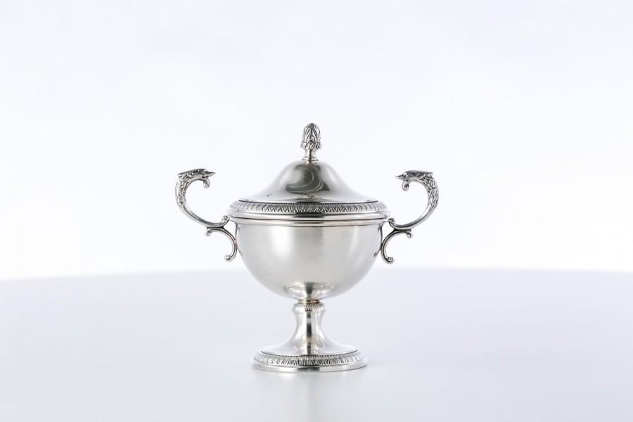 Cukiernica Petruzzi kryta, z pokrywką zdejmowaną, srebrna, włoska – neo empire.
