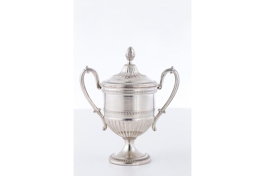Cukiernica Greggio Rino,  kryta z pokrywką, srebro, Włochy – Neo Empire