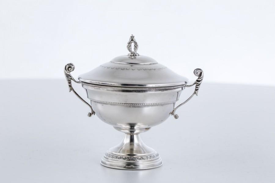 Cukiernica kryta,  filigranowa, srebro, Włochy – modernizm