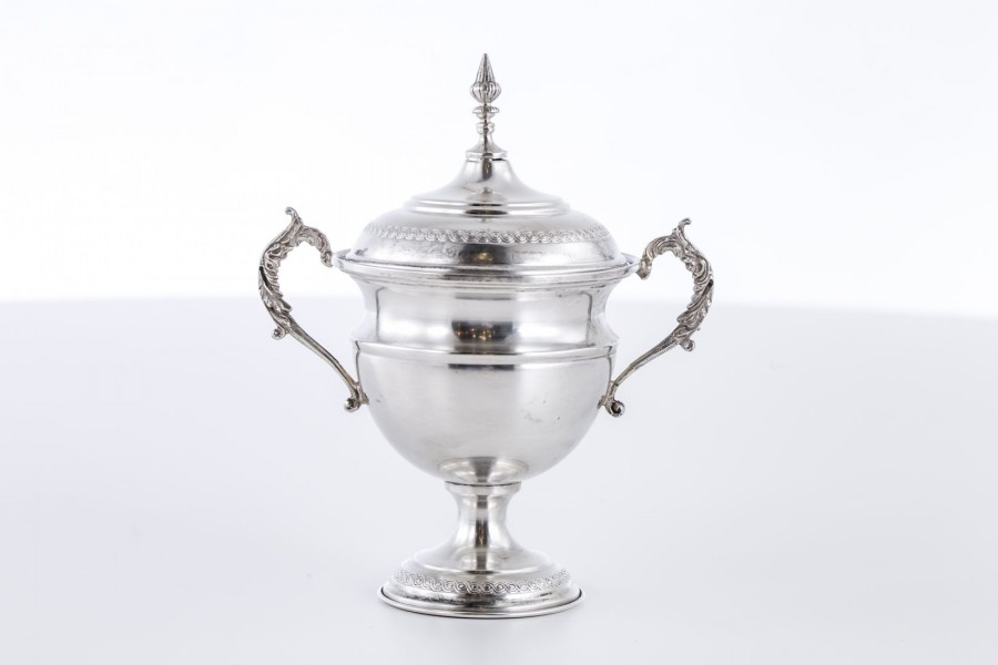 Cukiernica kryta, srebro, Włochy – modernizm