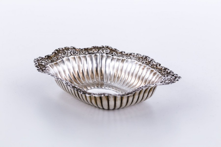 Patera / tacka filigranowa,   Whiting Manufacturing Co,  srebro, Nowy Jork – klasycyzm.