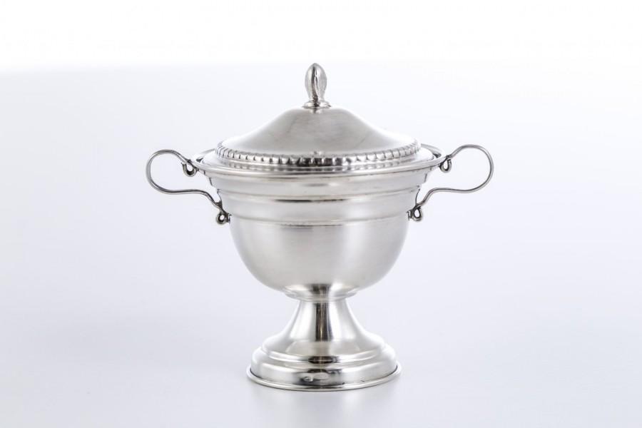 Cukiernica kryta, filigranowa, maleńka, srebrna, Włochy – klasycystyczna.