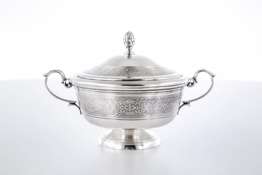 Cukiernica Fratelli Cachione,  kryta, srebro,   Włochy – klasycystyczna.
