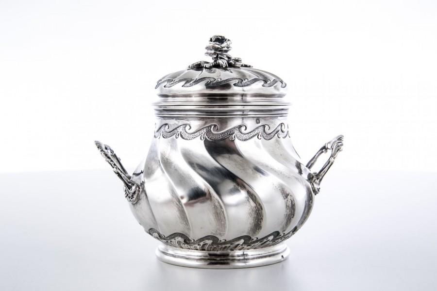 Cukiernica Henri Gauthier, kryta, złocona wewnątrz, srebro, Francja – secesyjna.