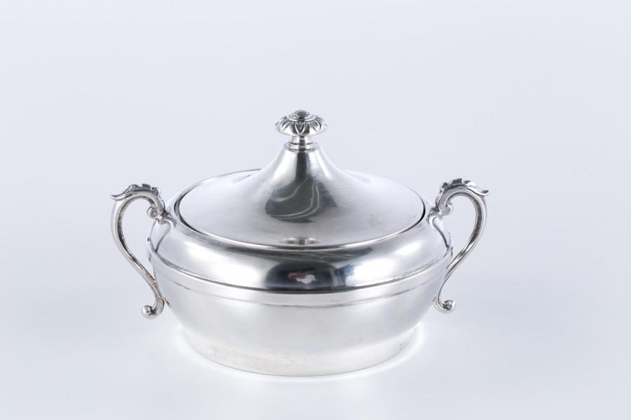 Cukiernica Sorelli Mario, kryta, srebrna, włoska - modernistyczna.
