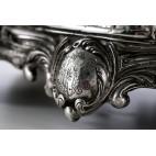 Kałamarz figuralny z dzwonkiem z Panem z epoki, srebrny, Francja  – neorokokowy