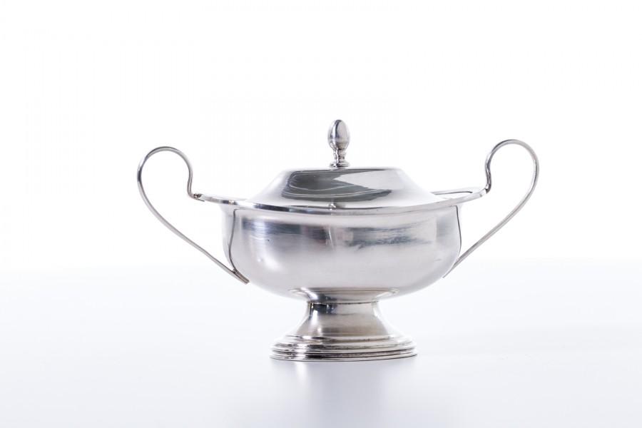 Cukiernica CESA 1882 ,  kryta, wytworna, włoska,  srebrna – modernistyczna.