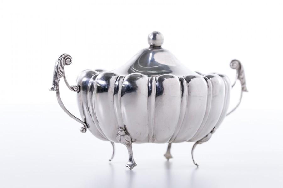 Cukiernica kryta 2-elementowa, B. Bausi, włoska, srebrna - modernistyczna.