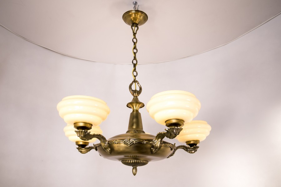 Żyrandol mosiężny  typ beretta – Art Deco.