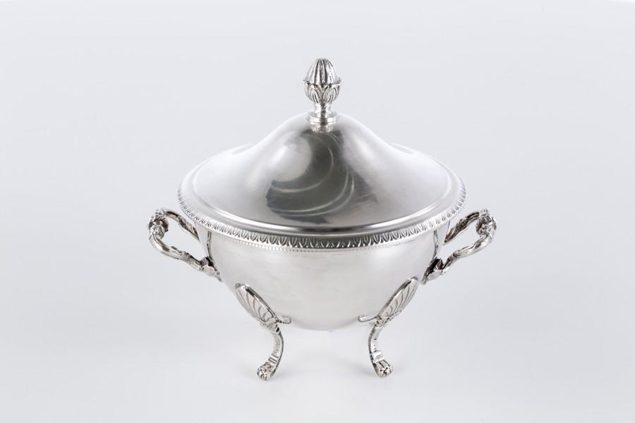 Cukiernica reprezentacyjna, kryta, włoska, srebrna  - modernistyczno / empirowa.