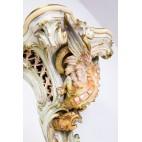 Gerydon Wiszący Stary Berlin, kolumniano-figuralny ze smokiem porcelanowy – eklektyczny.