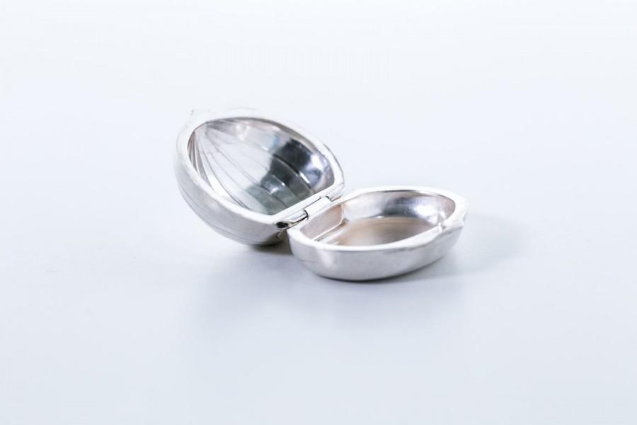 Puzderko kieszonkowe, srebrne, miniaturka figi, Włochy – sztuka świata/postmodernizm.