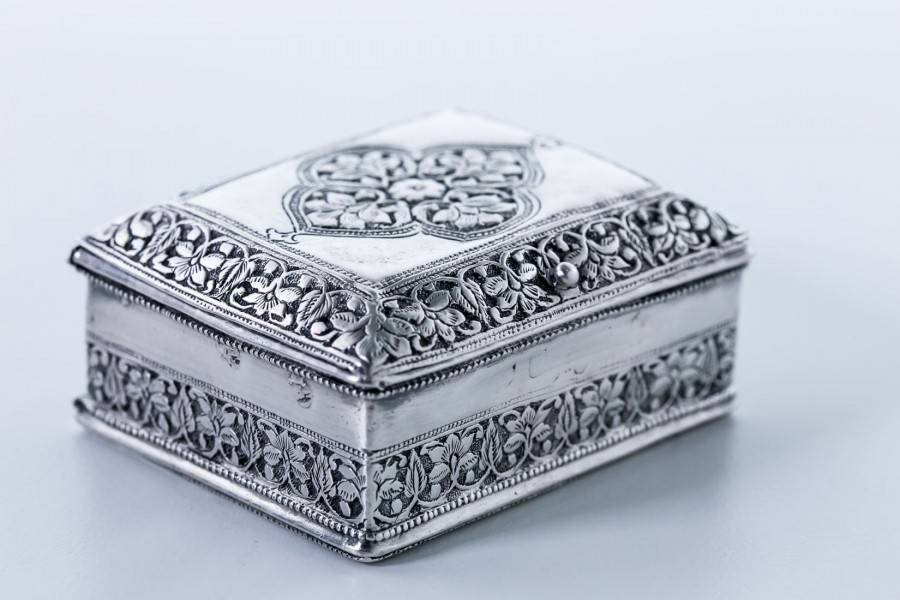 Puzderko / Tabakiera,  na jubilerkę lub tabakę / tytoń, srebrne, Anglia–klasycystyczna